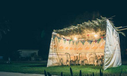 2021-09-21: 'Als je het bouwt, zullen ze komen': de zegeningen van de loofhut ******* 'If you build it, they will come': The blessings of the holiday sukkah