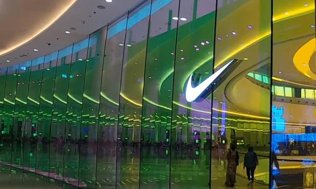 2021-10-08: Nike stopt verkoop in Israëlische winkels ******* Nike stops sales in Israeli stores