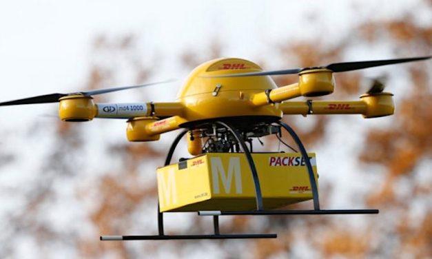 2021-10-12: Hongerige zwemmers kunnen drone-bezorgde sushi bestellen op Herzliya's Tz *******    Hungry swimmers can order drone-delivered sushi to Herzliya's Tzuk Beach.